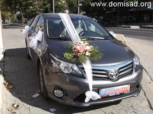 Как украсить свадебную машину самому — мастер-класс с ...: http://domisad.org/kakukrasitsvadebnuyumashinu/