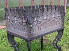 Толстостенный мангал из металла
