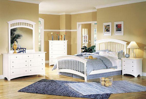 Белая мебель в спальной