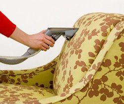 Чистка мягкой мебели пылесосом