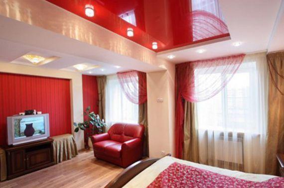 Красная мебель в спальне