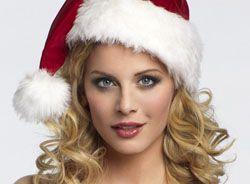 В новогодней шапке