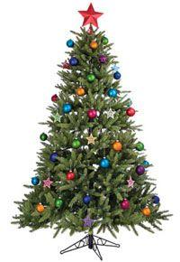 Наряженная игрушками елка