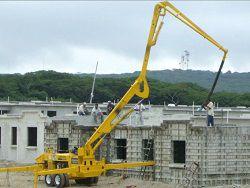 Бетононасос на строительстве дома