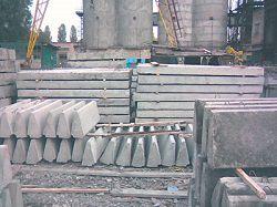 Изделия из бетона на стройплощадке