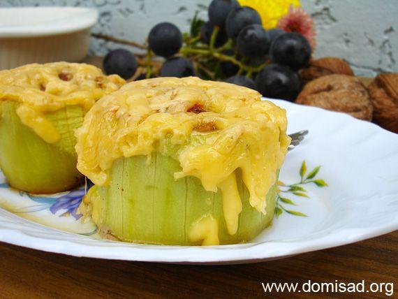 Фаршированные кабачки с фаршем и сыром в духовке