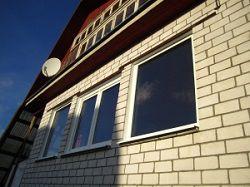 Пластиковое окно в дачном доме