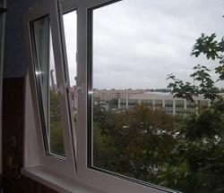 Пластиковое окно с открытой створкой