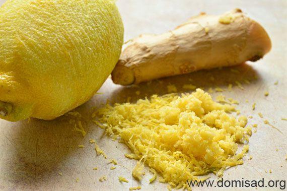 Натираем лимон и имбирь